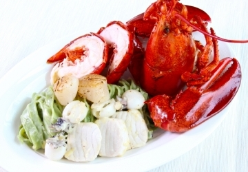 Soluna All Day Dining_Semi Buffet_Poached Live Boston Lobster